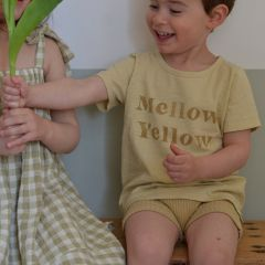 Mellow yellow tee Rylee and Cru