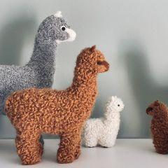Alpaca decoration camel medium Petit Kolibri