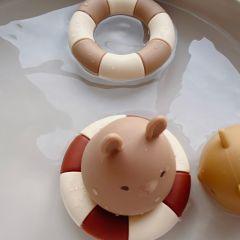 2 pack silicone bath toys swim ring bark almond Konges Slojd