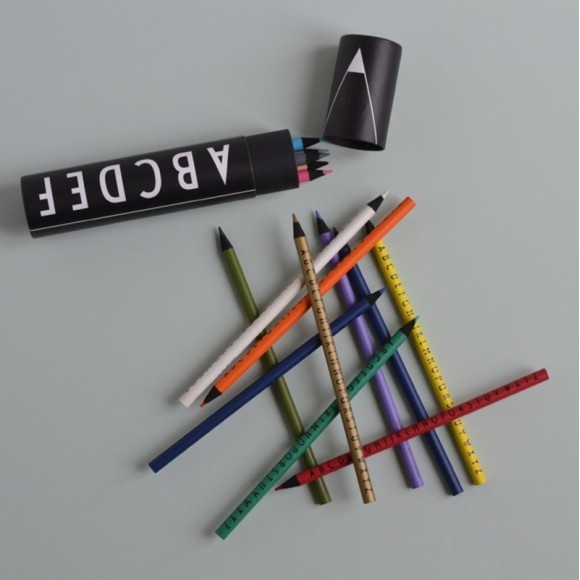 Crayons Design Letters