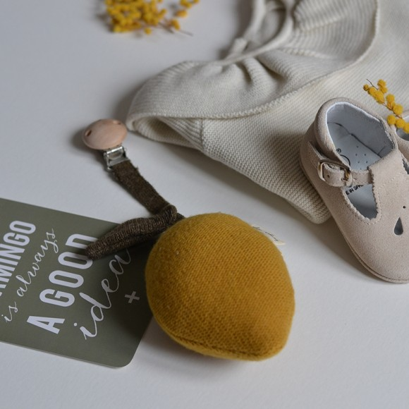 Woolen Pram Toy Lemon Konges Slojd