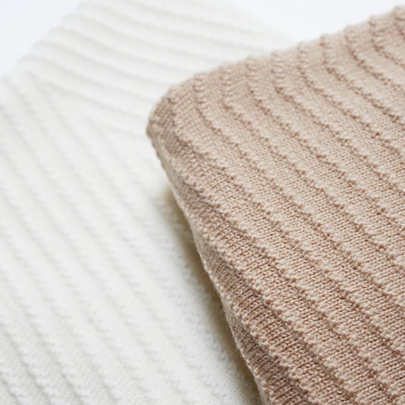 couverture en laine akira abricot hvid yellow flamingo. Black Bedroom Furniture Sets. Home Design Ideas