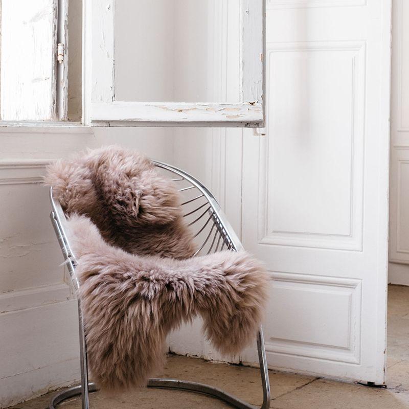 peau de mouton kaja poils longs le bazar des poup es. Black Bedroom Furniture Sets. Home Design Ideas