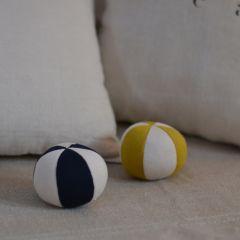 Petit toy ball mustard Konges Slojd