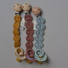 Pacifier strap wool Ruben rose Konges Slojd