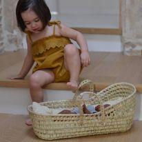 Couffin pour poupée en feuilles de palmier Laith and Leila