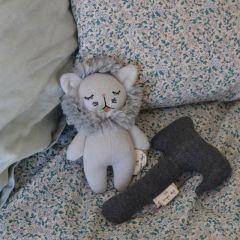 Hochet mini lion Konges Slojd