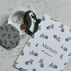 Boîte en porcelaine et carte Maman Poussière des rues