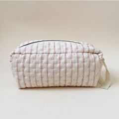 Quilted toiletry bag champagne red Colour: champagne red Outer fabric: 100% Organic Cotton  Inner lining: 100% Polyester  Size: