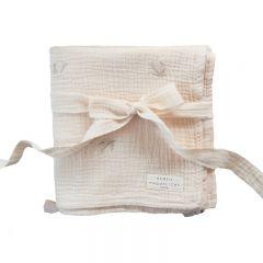 Couverture brodée hirondelles à pompons Gentil Coquelicot