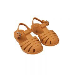Rubber beach sandals mustard Liewood